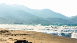 Σύλληψη άνδρα που αποπειράθηκε να βιάσει δύο τουρίστριες σε παραλία του