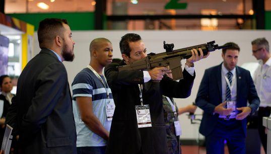 Nova proposta de armas na Câmara reforça direitos de caçadores e