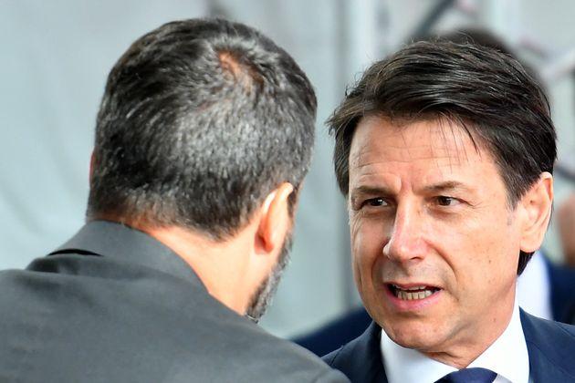 Giuseppe Conte contro Matteo Salvini sui migranti della Open Arms: