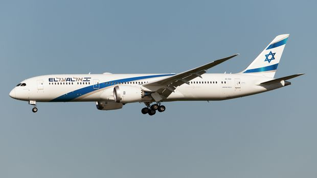 AIRPORT FIUMICINO, ROME, ITALY - 2019/07/02: An El Al Israel Airlines Boeing 787-9 Dreamliner landing at Rome Fiumicino airport. (Photo by Fabrizio Gandolfo/SOPA Images/LightRocket via Getty Images)