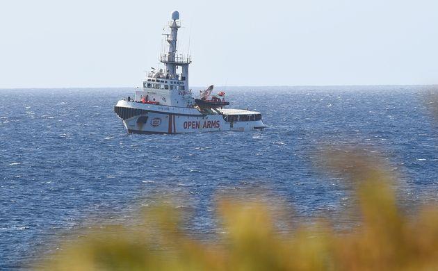 Open Arms: des mineurs autorisés à débarquer du navire humanitaire bloqué en
