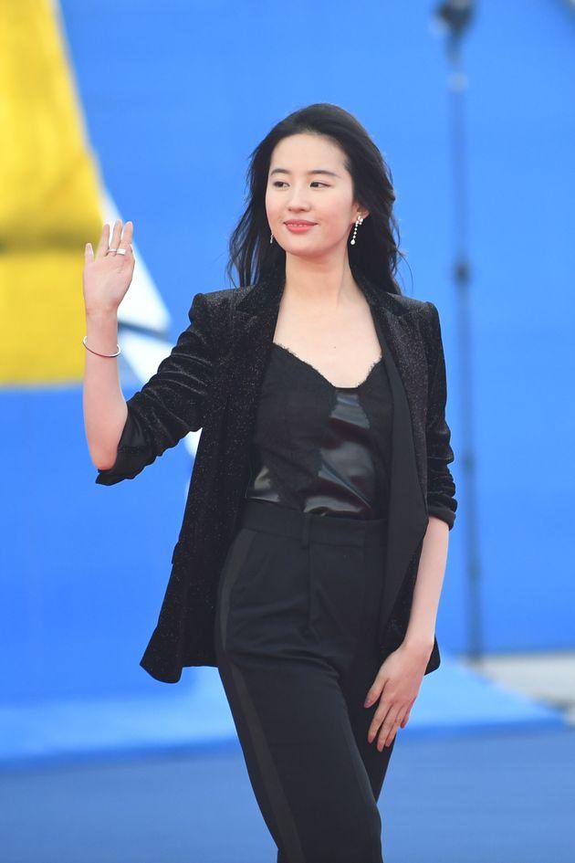 배우 유역비가 홍콩 시위 무력 진압 지지하자 '뮬란' 보이콧 운동이