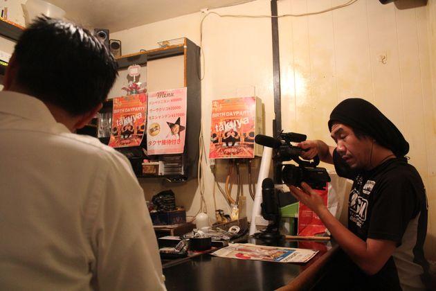 プロカメラマンが撮影を担当する