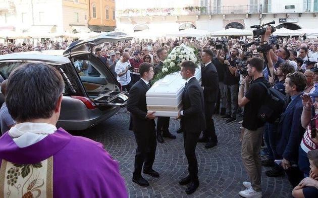I funerali di Nadia Toffa nella Cattedrale di Brescia: