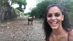 Esta joven quiere hacerse un 'selfie' y le sale muy