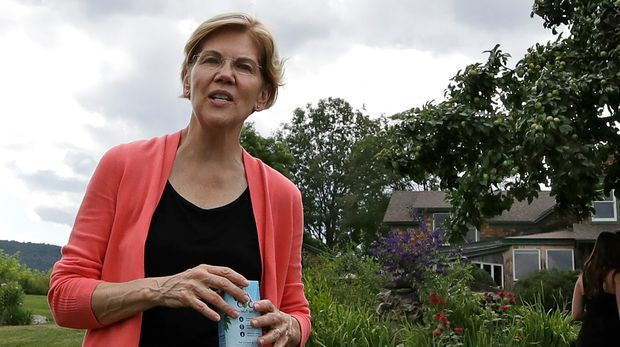 Democratic presidential candidate Sen. Elizabeth Warren, D-Mass., at a campaign event, Wednesday, Aug. 14, 2019, in Franconia, N.H. (AP Photo/Elise Amendola)