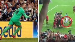 Il tifoso entra in scivolata su Adrian: il portiere eroe della Supercoppa rimane infortunato