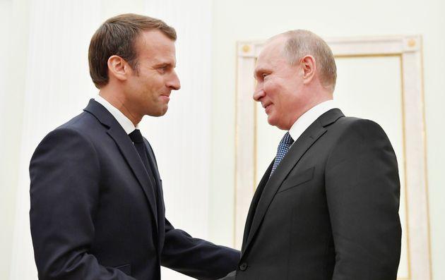 À Brégançon, Macron reçoit Poutine pour