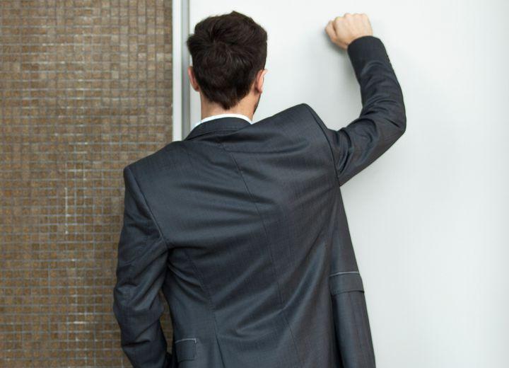 Les Témoins de Jéhovah sont connus pour faire du porte-à-porte.