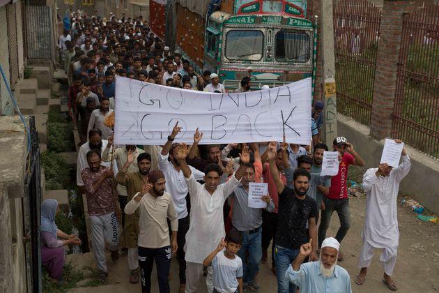 I primi morti in Kashmir. La miccia che può far esplodere la polveriera nucleare
