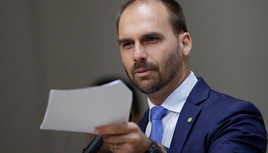 Bolsonaro oferece cargos e orçamento bilionário a