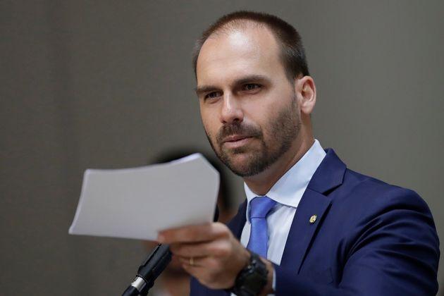 Custará caro ao presidente a aprovação de Eduardo Bolsonaro à embaixada nos