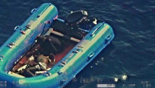 Ο μοναδικός επιζώντας από το ναυάγιο μιας μικρής βάρκας περιγράφει την κόλαση που