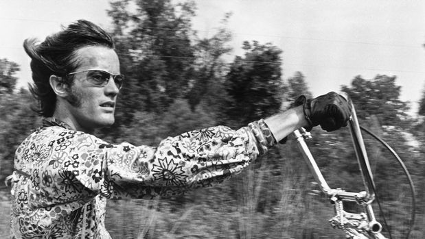 American actor Peter Fonda as Wyatt in the film 'Easy Rider', 1969.   (Photo by Silver Screen Collection/Getty Images)
