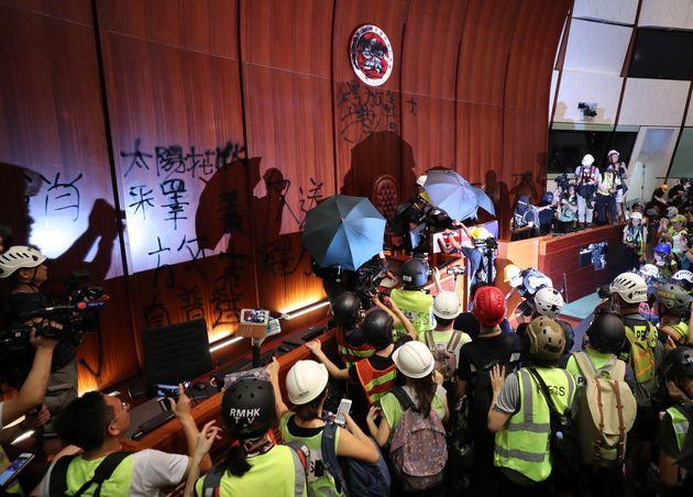 香港デモを写真と動画で振り返る。なぜ起きたのか、どこへ向かうのか…