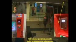 Come clonano i pin delle carte alle biglietterie della stazione di Milano