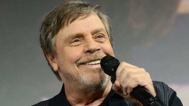 "SAN DIEGO, CALIFORNIA - JULY 19: Mark Hamill accepts the Icon award during the Netflix's ""The Dark Crystal: Age Of Resistance"" Panel during 2019 Comic-Con International at San Diego Convention Center on July 19, 2019 in San Diego, California. (Photo by Albert L. Ortega/Getty Images)"