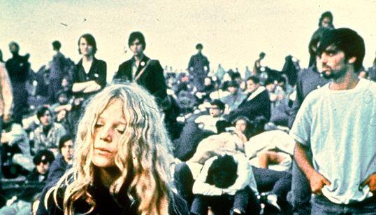 Τα «παιδιά των λουλουδιών» επιστρέφουν στο Γούντστοκ 50 χρόνια μετά το καλοκαίρι της