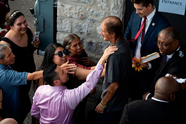 Le 16 août 2019, Antonio Basco, époux deMargie Reckard, victime de la fusillade au...