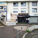 「サンドウィッチを出すのが遅い」腹を立てた客がウェイターを射殺。パリ郊外のレストランで