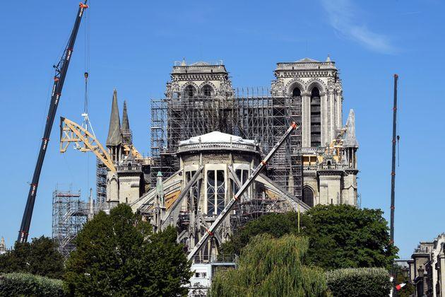 Notre-Dame, ses grues et échafaudages, le 17