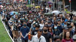 Ξανά στους δρόμους του Χονγκ Κονγκ οι διαδηλωτές για μια μαζική αντικυβερνητική