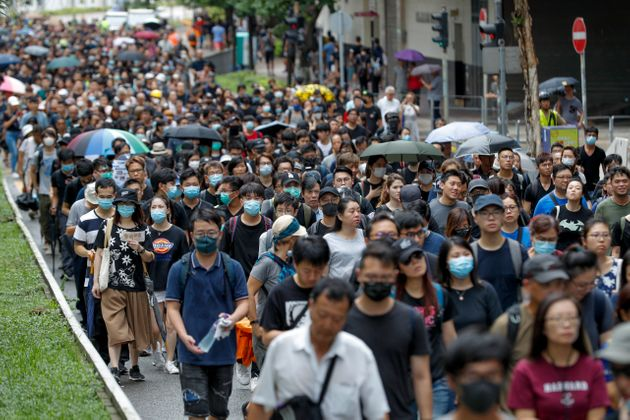 Διαδηλώσεις στο Χονγκ Κονγκ: Περισσότεροι από 100.000 άνθρωποι διαδηλώνουν