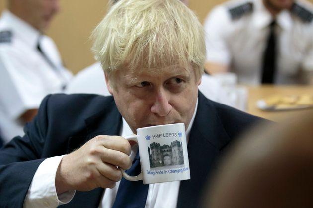 Des dizaines de parlementaires britanniques réclament à Boris Johnson qu'il écourte...