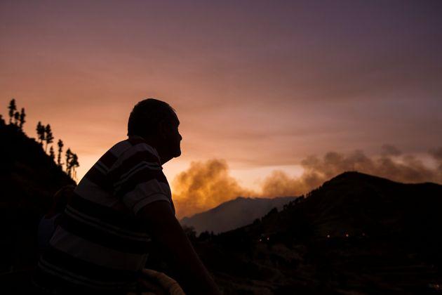 Gran Canaria vuelve a arder: más de 2.000 personas han sido