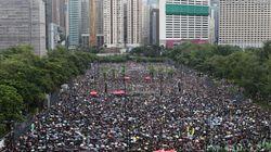 Una marea a Hong Kong contro il