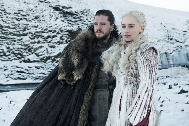 Kit Harington and Emilia Clarke in Game Of