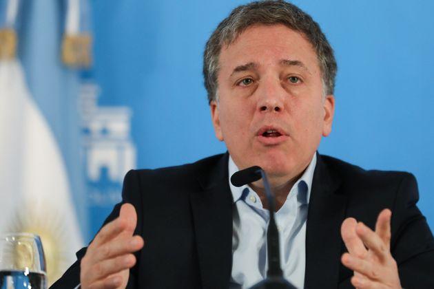 El ministro de Hacienda argentino dimite tras el terremoto