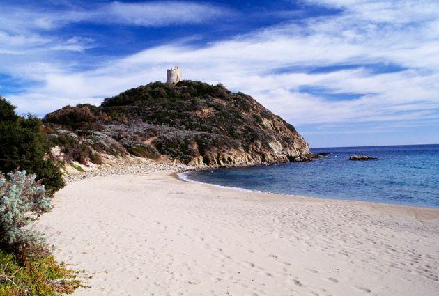 C'est ce sable blanc des plages proches de Chia, au sud de la Sardaigne, qui a été emporté...