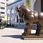 Le sculpteur colombien Fernando Botero expose devant le MMVI à