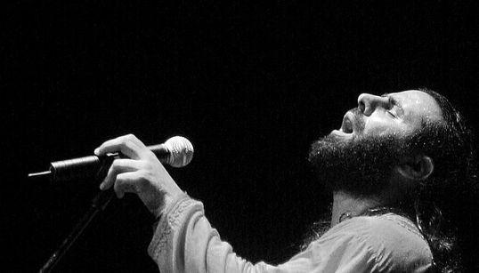 Mounir Troudi dans un concert inédit qui rime entre Salhi, jazz fusion et world