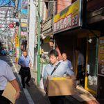 長崎の無料案内所で魚介類の切り身200キロみつかる。暴力団が営利目的で密漁し保存か