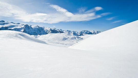 북극 빙하에서 미세플라스틱을 발견한 과학자들이 충격에 빠진