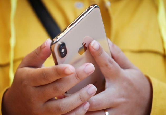 애플은 아이폰 등의 조립생산을 중국 등지에 공장을 둔 대만의 폭스콘 같은 업체에 맡겨왔다. 미국과 중국의 무역 분쟁이 불거지면서 관세 부과 가능성이 거론되자 폭스콘은 중국 바깥의 생산시설로...