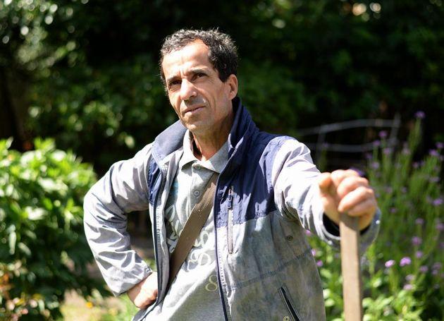 L'expulsion de Mohammed Lakel vers l'Algérie déclenche une vague de soutien