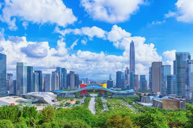 Face à Hong Kong, la Chine veut faire de la ville voisine Shenzhen une puissance mondiale