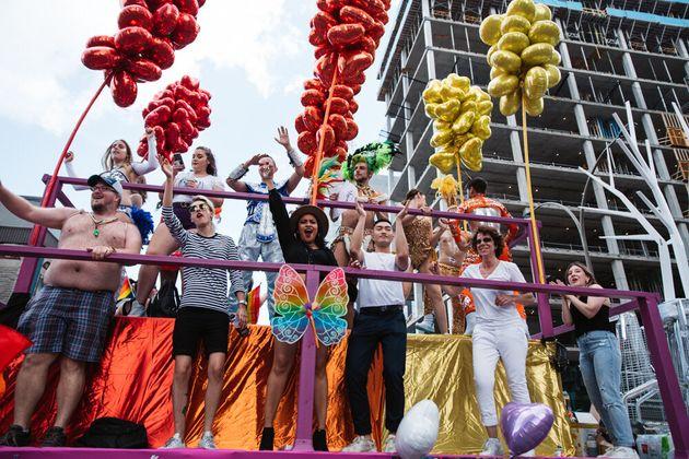 Une grande fête dans les rues de Montréal pour le 36e défilé de la