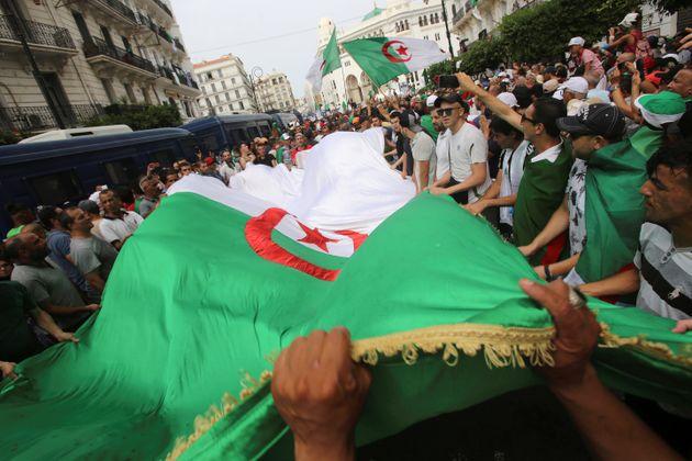 En Algérie, un régime irréformable et un risque de
