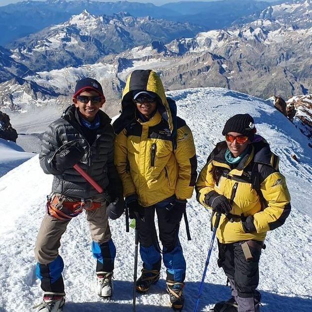 Ινδία: 10χρονο αγόρι ετοιμάζεται να σκαρφαλώσει στις 7 υψηλότερες κορυφές του