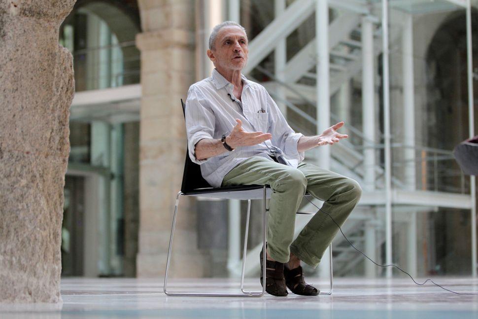 Luis Suárez durante la entrevista con Efe el pasado 13 de agosto, en el interior de la extinta...