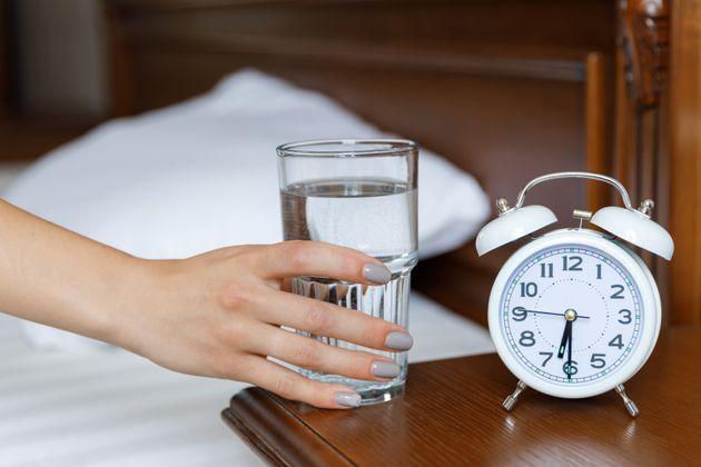 As 7 melhores estratégias para beber mais água durante o