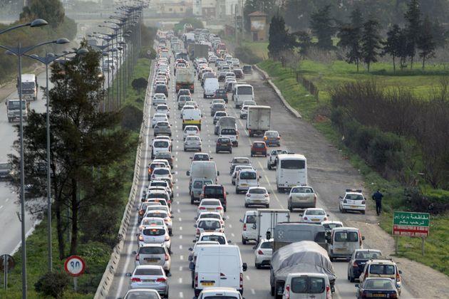 Le gouvernement met la dernière touche à l'importation des véhicules