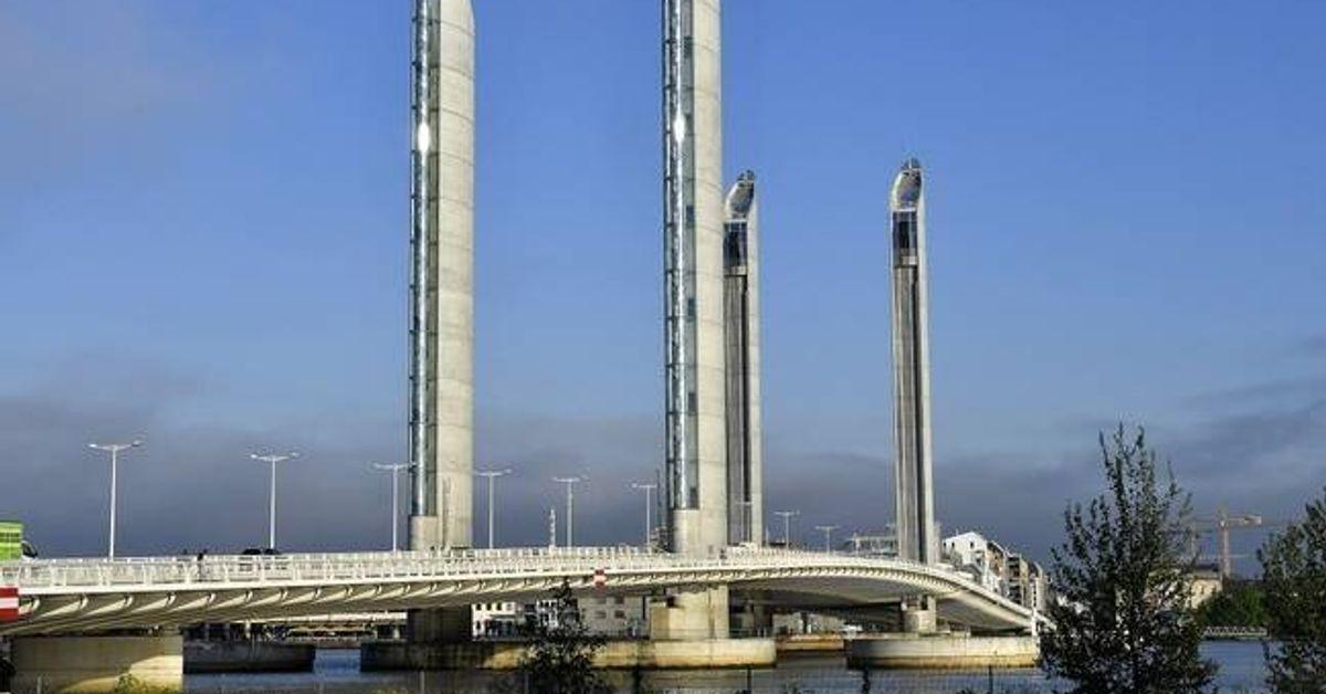 Bordeaux: un bateau fonce dans un pont et fait 10 blessés