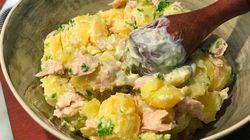 Un buen aperitivo veraniego: patatas y ventresca de atún con