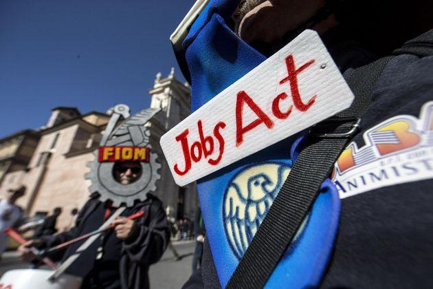 Tribunale Milano rinvia a Corte Ue norme Jobs act su