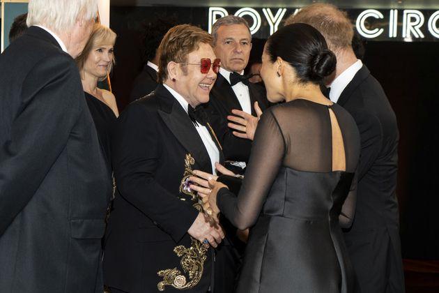 엘튼 존이 메간 마클과 해리 왕자에 대한 비난에